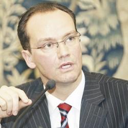 Presedintele Comisiei pentru Afaceri Europene a Bundestagului, Gunter Krichbaum, il felicita pe Dacian Ciolos