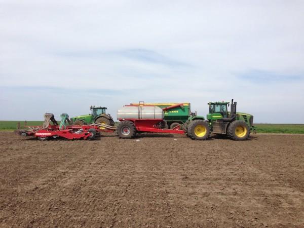 aplicare-fertilizator-agro-cocora
